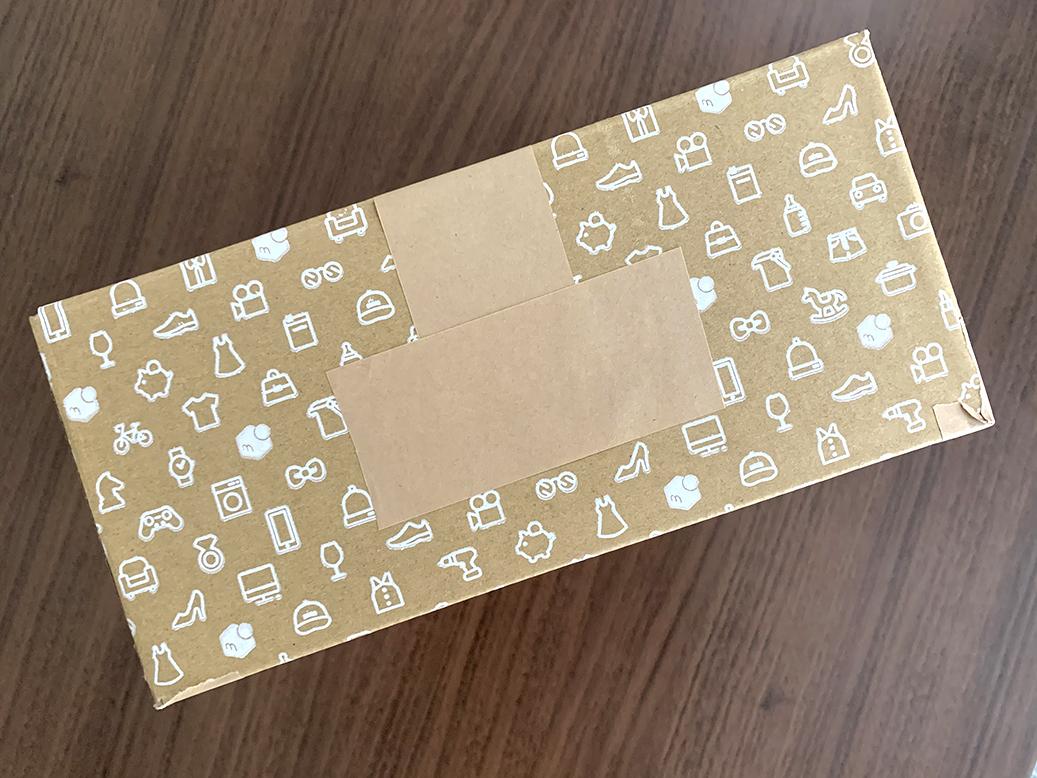 ラクマの商品梱包にメルカリのロゴ入り箱は使って良いのか?